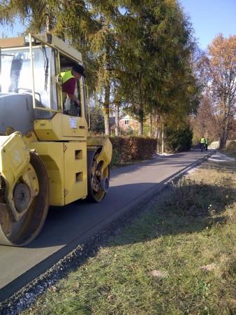 Droga z betonu wałowanego w miejscowości Ewunin