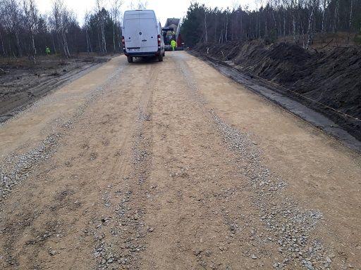 Droga dojazdowa z betonu wałowanego w Gminie Klucze